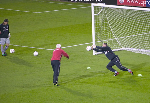keepers warm up 002
