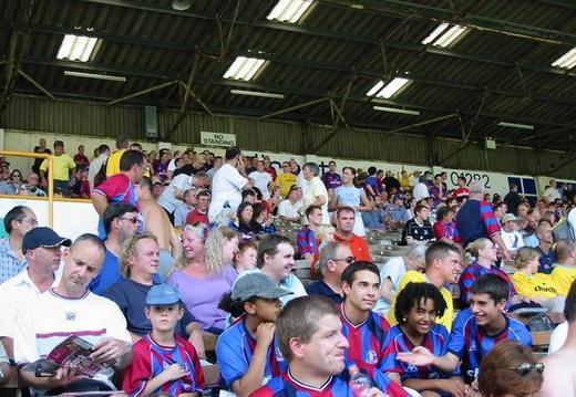 1 Palace fans