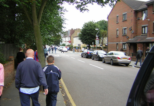 009 Walking Down the Holmesdale Road part 2