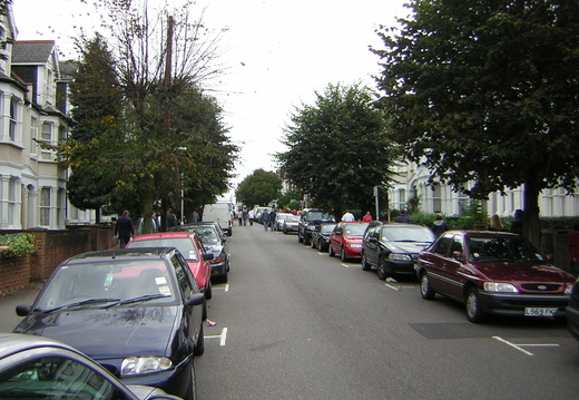 010 Walking Down the Holmesdale Road part 3