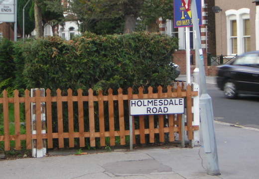 074 Ooooh another Holmesdale Road sign I should have nicked one